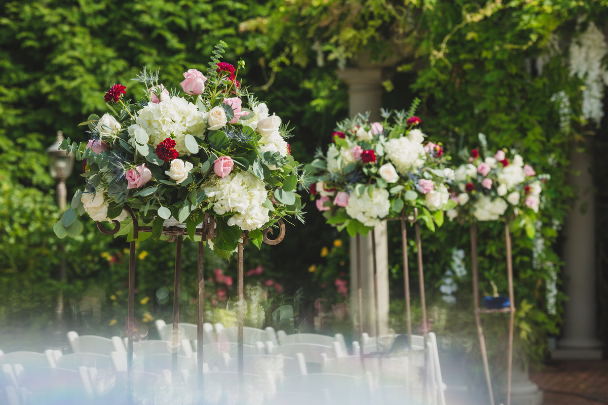 flower centerpieces at Crest Hollow Country Club wedding