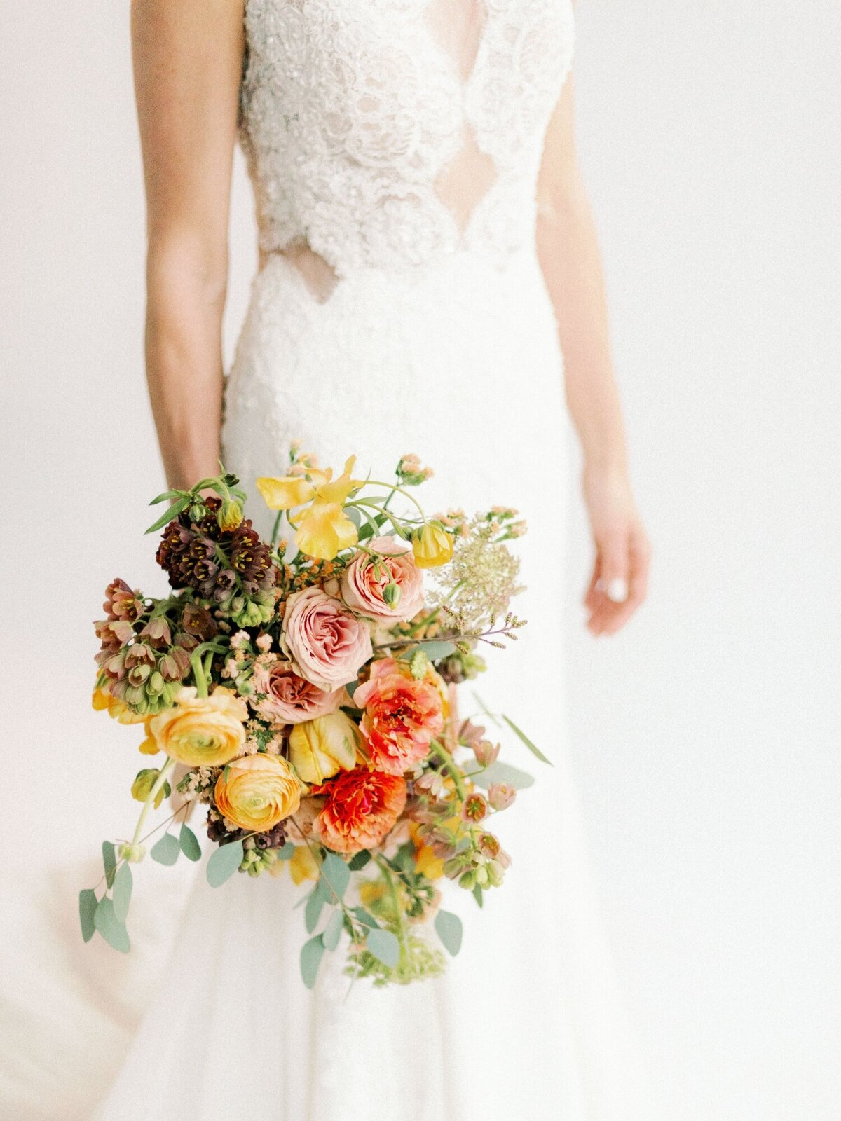 clean-white-colorful-wedding-inspiration_1406
