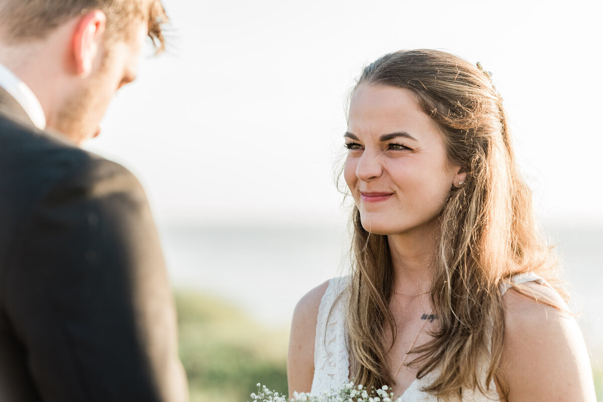 Cannon-Beach-Elopement-Photographer-14
