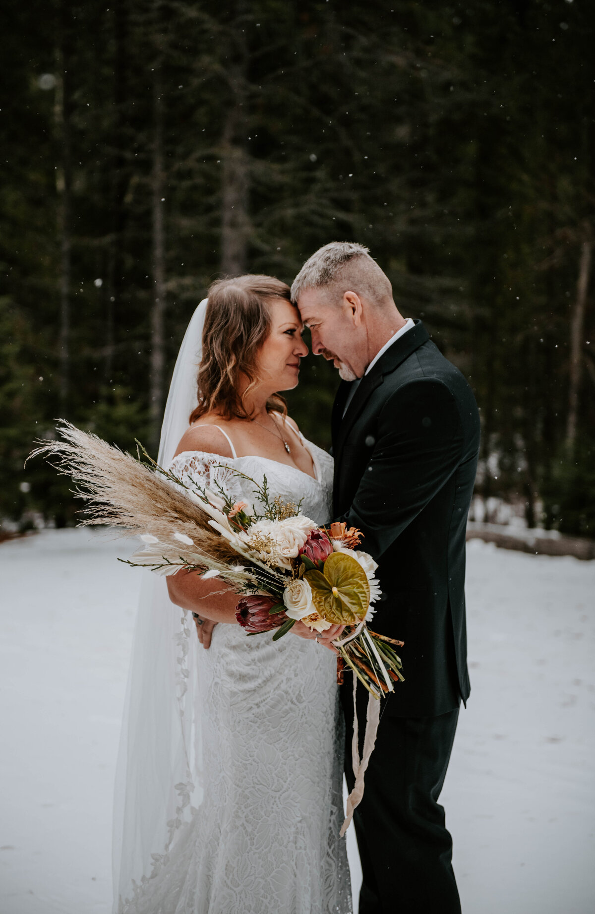 suttle-lake-sisters-oregon-lodge-woods-vow-renewal-photographer-wedding-elopement-2692