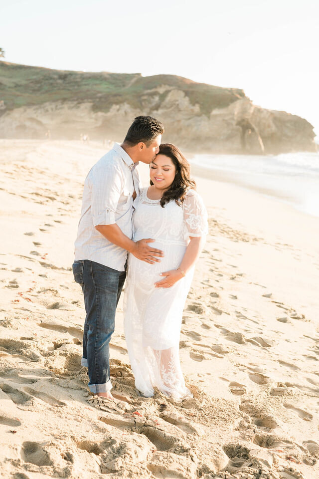 montara-beach-half-moon-bay-maternity-1