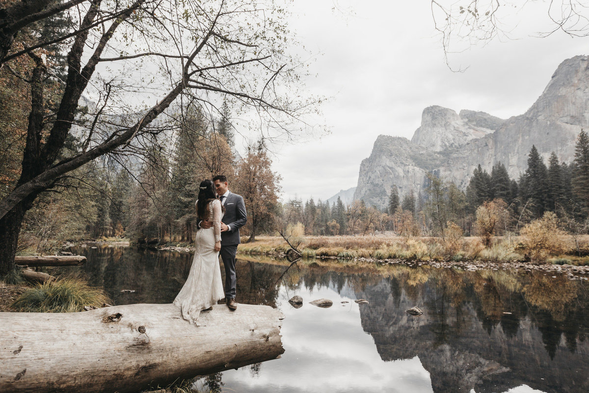 athena-and-camron-how-to-elope-in-yosemite-valley-lower-valley-woods2