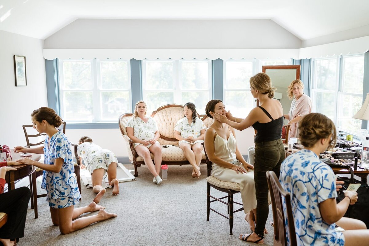 bride and bridesmaids getting ready catskills wedding planner carey institute wedding canvas weddings