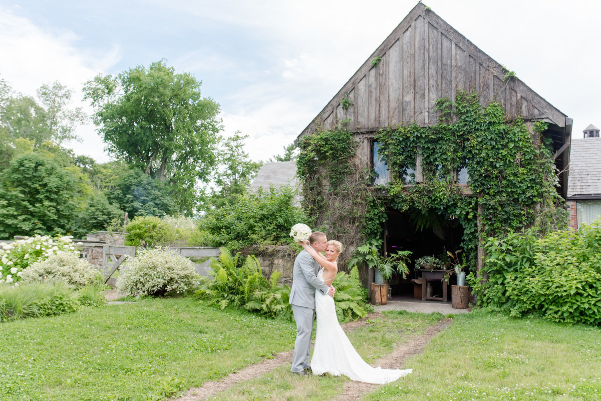 Blue Hill at Stone Barns Wedding-New York Wedding Photographer-Jaclyn and Colin Wedding 181627-14