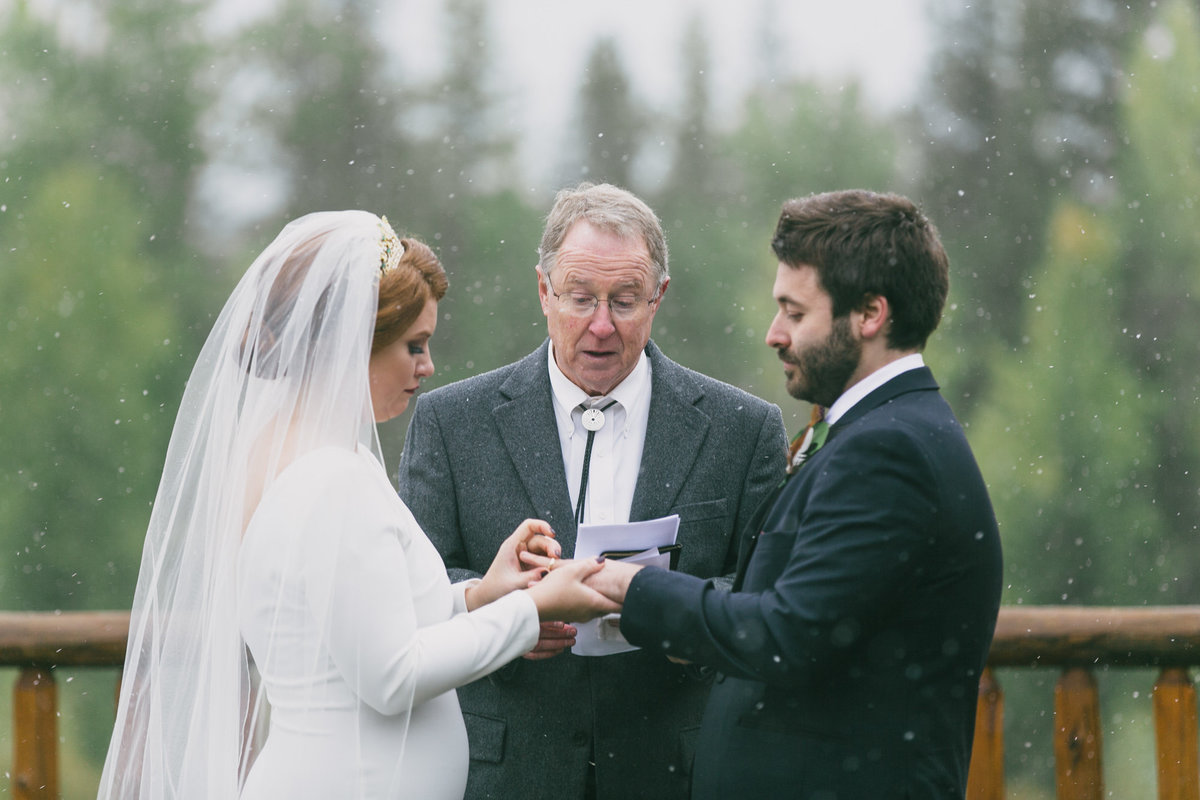 Jennifer_Mooney_Photography_Abbey_Stephen_Fall_Winter_Glacier_Park_Elopement-178