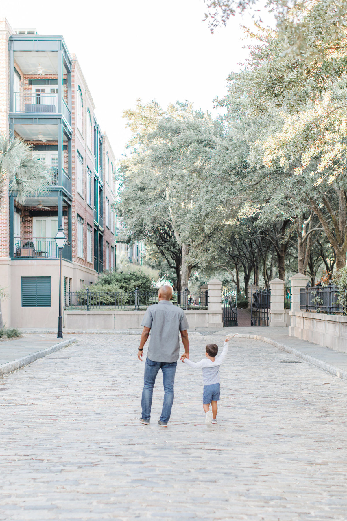 Downtown-Charleston-Family-Photos-Laura-Ryan-Photography-10