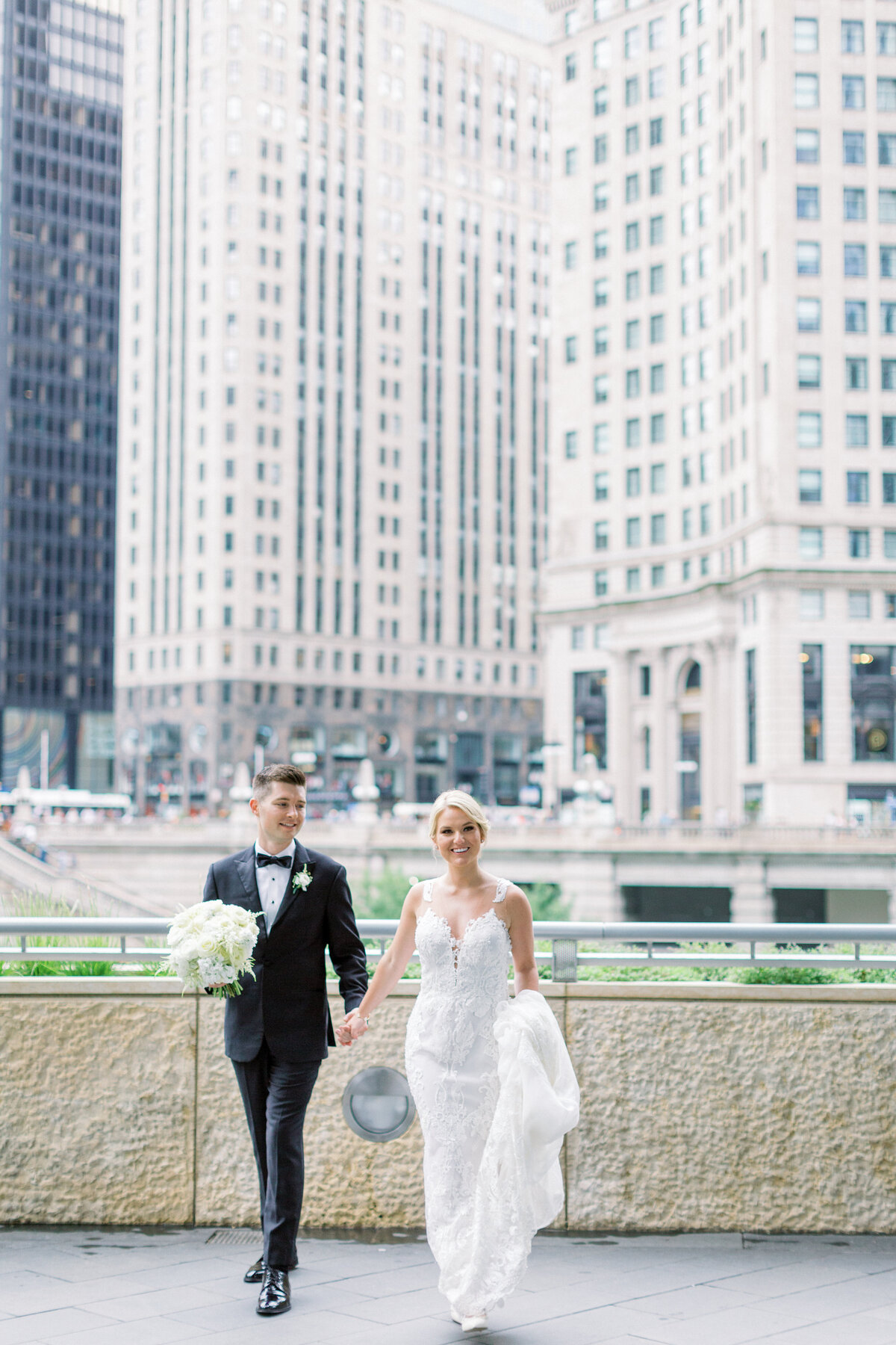 Downtown Chicago Wedding Photographer_Shauna and Jordon Photography023