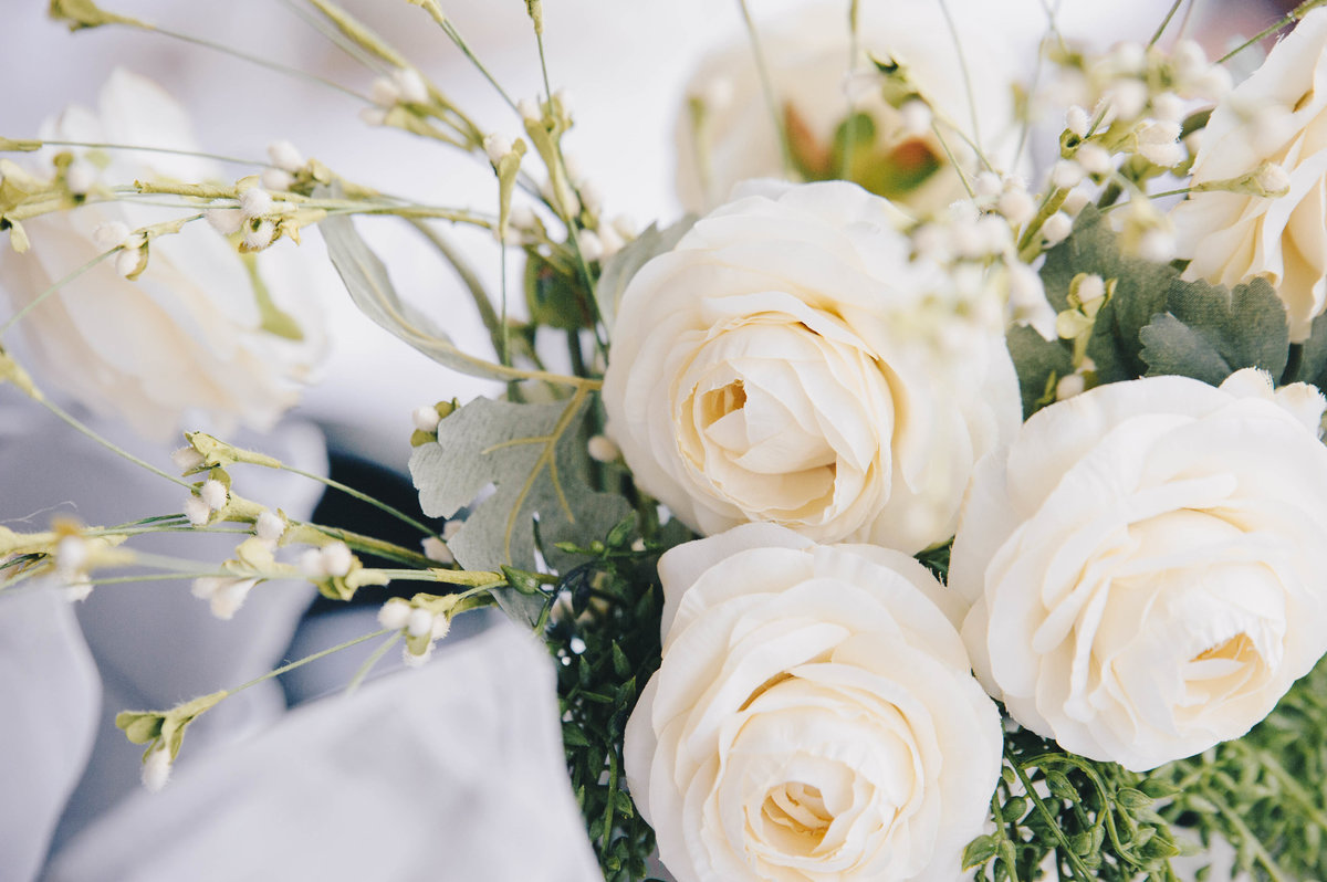 white roses wedding centerpieces