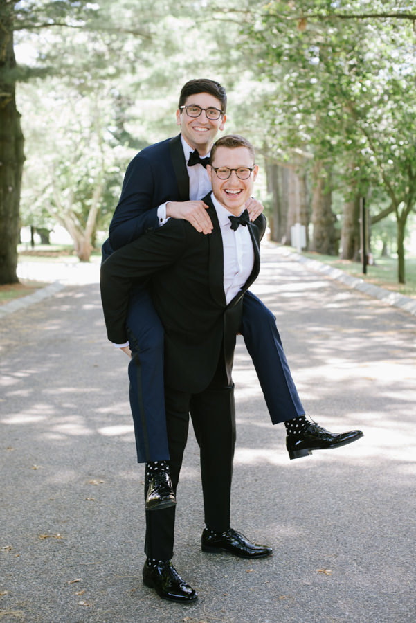 Groom with groomsman at a black tie ashford estate wedding