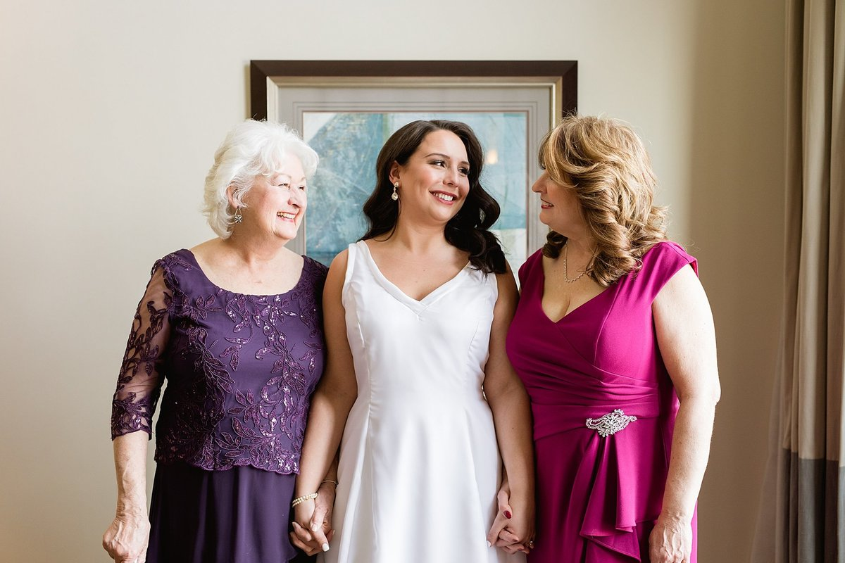 Rachel-Matt-Inn-at-St-Johns-Wedding-Michigan-Breanne-Rochelle-Photography51