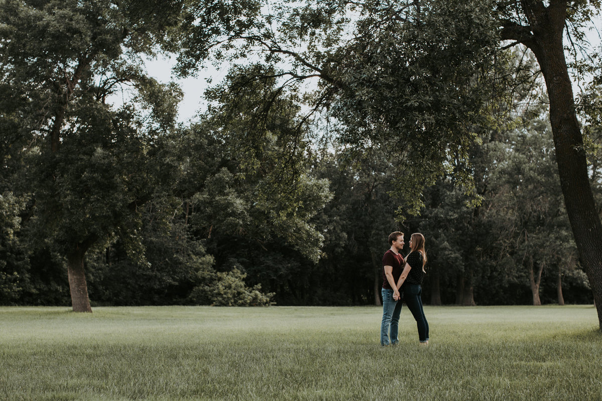 Montana engagement photography session outside in field