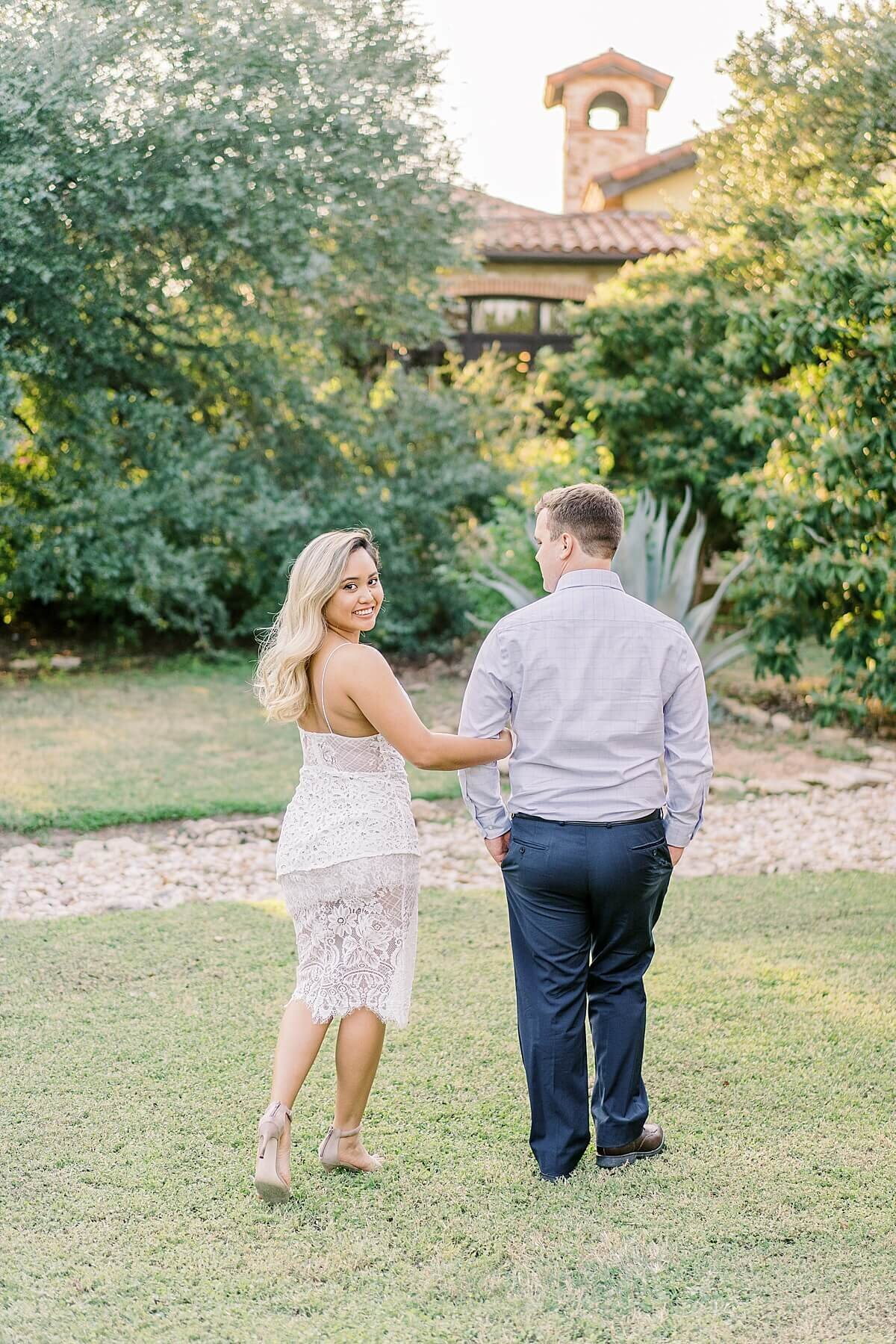 Texas-Hill-Country-Vineyard-Engagement-Portrait-Session-Alicia-Yarrish-Photography_0115