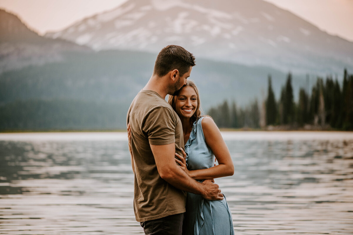 sparks-lake-oregon-couple-photographer-elopement-bend-lakes-bachelor-sisters-sunset-6367