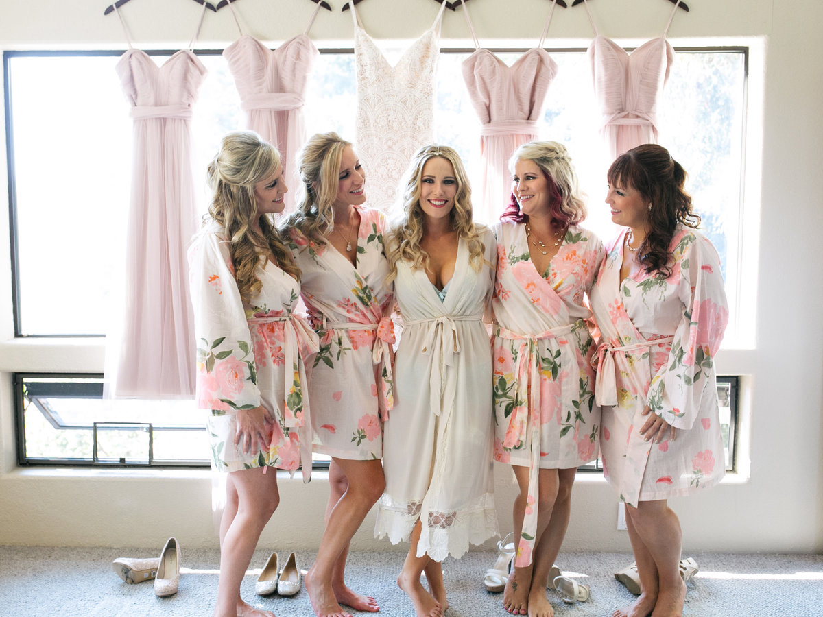 boho bride with bridesmaids photo blush pinl
