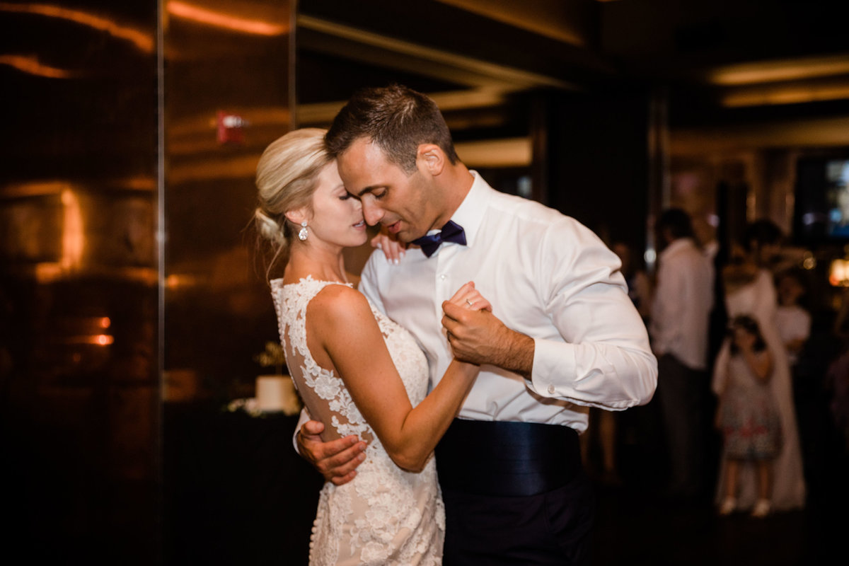 chicago-tribune-tower-wedding-nicole-jason-801