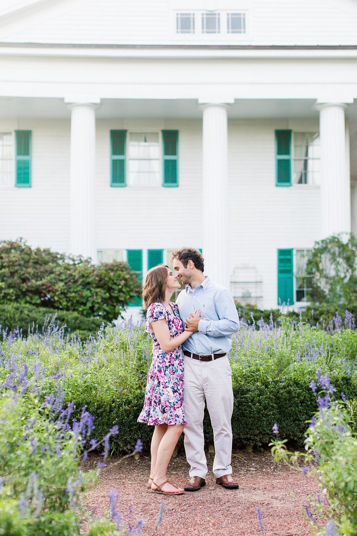 Roswell-Barrington Hall-Engagement-Photos-_0014