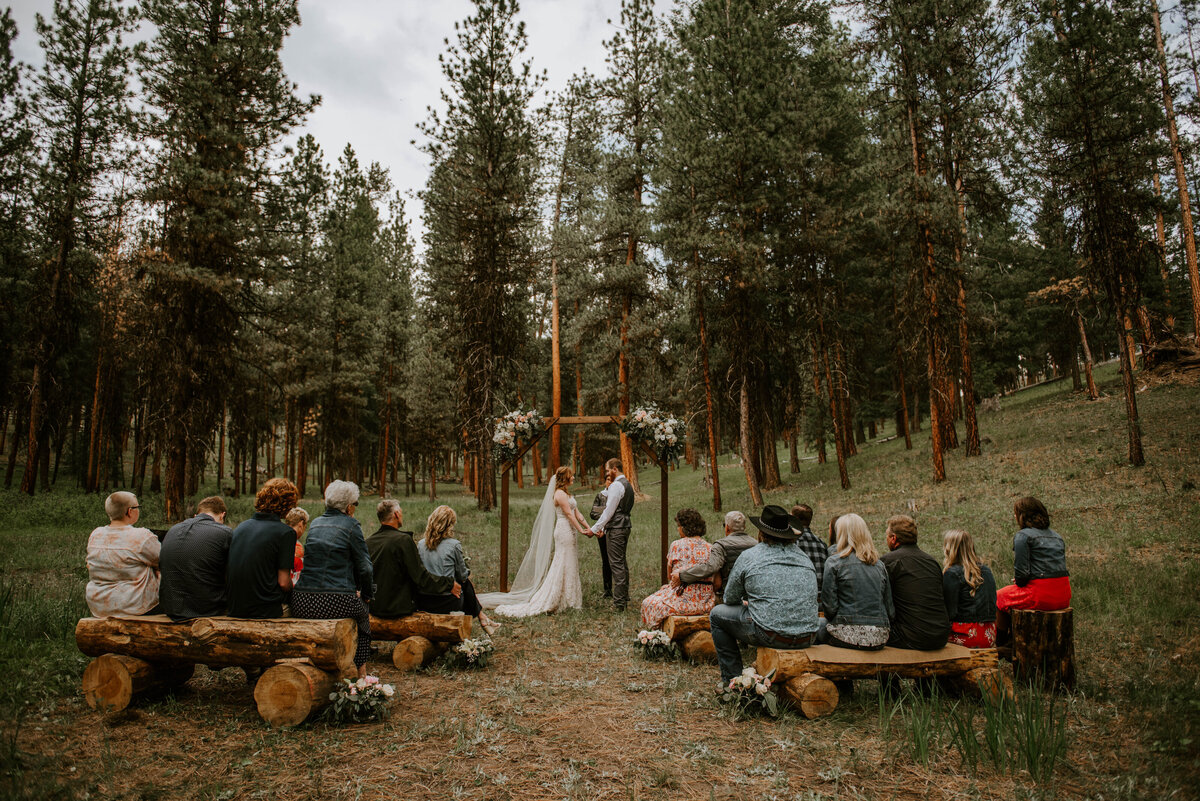 ochoco-forest-central-oregon-elopement-pnw-woods-wedding-covid-bend-photographer-inspiration2125
