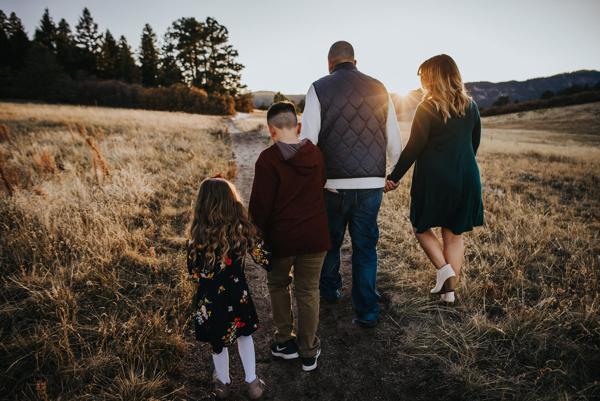 Montoya_Family_2018_Wild_Prairie_Photography-90