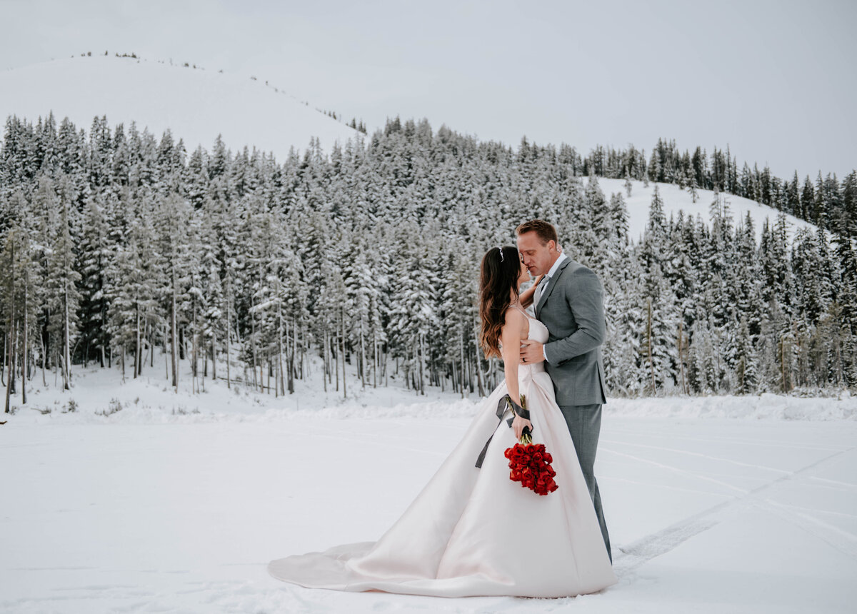 mt-bachelor-snow-winter-elopement-bend-oregon-wedding-photographer-2062