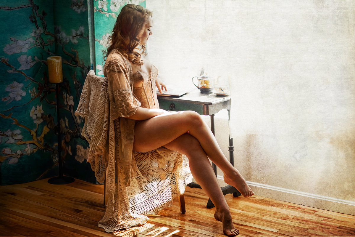 Fine art boudoir portrait styled to look like a painting by Virginia Photographer Rain Imagery located in Northern Virginia