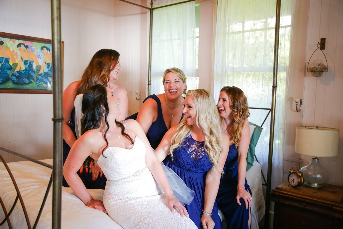 Capture Aloha Photography Wedding Preparation with the bride and the bridesmaid