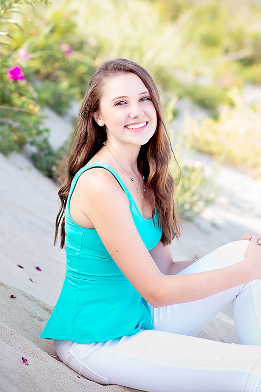 beautiful beach high school senior portraits Ogunquit ME by Q Hegarty Photography