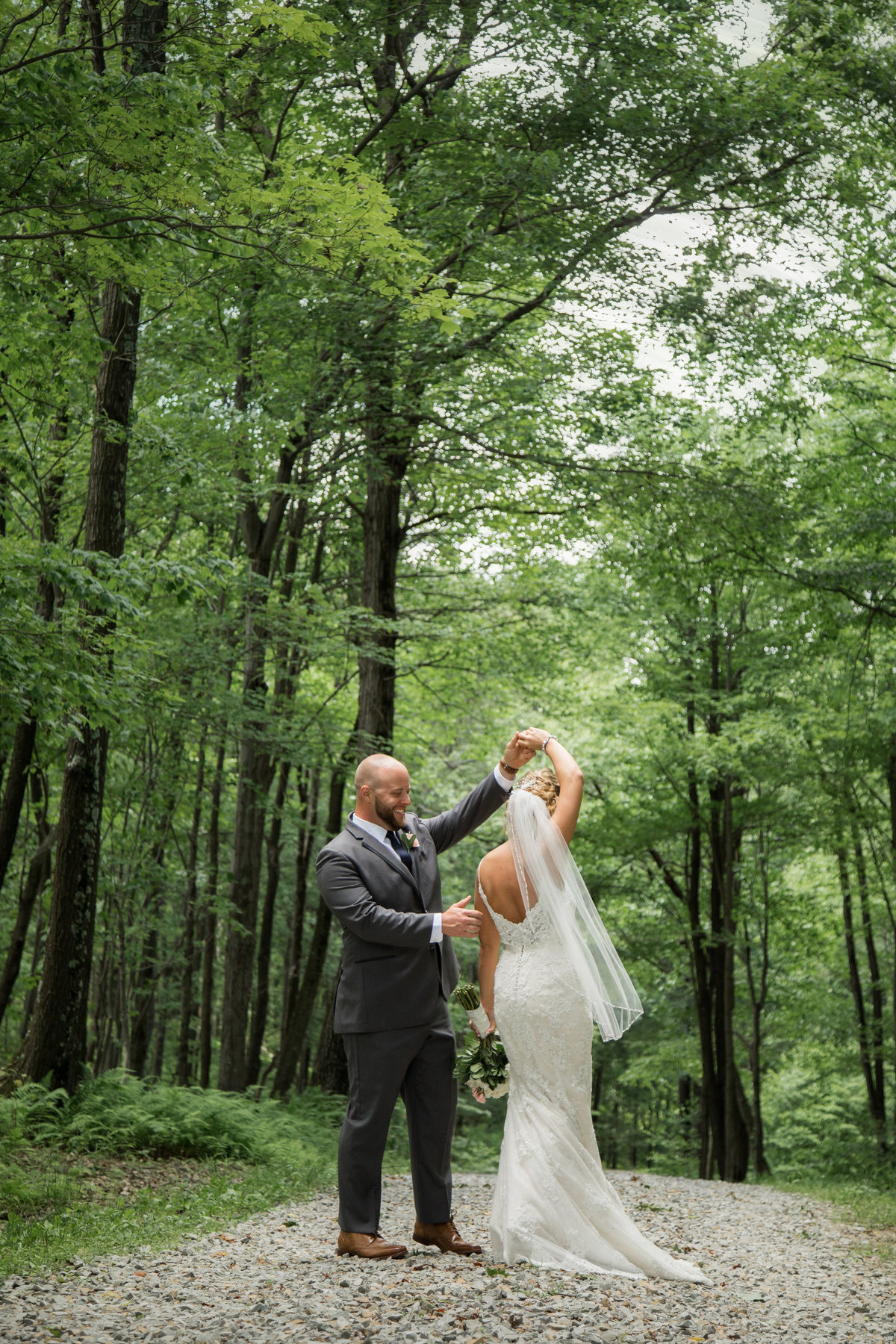 Hannah Barlow Photography Wedding Engagement Tri State Area West Virginia Ohio Pennsylvania Pittsburgh29