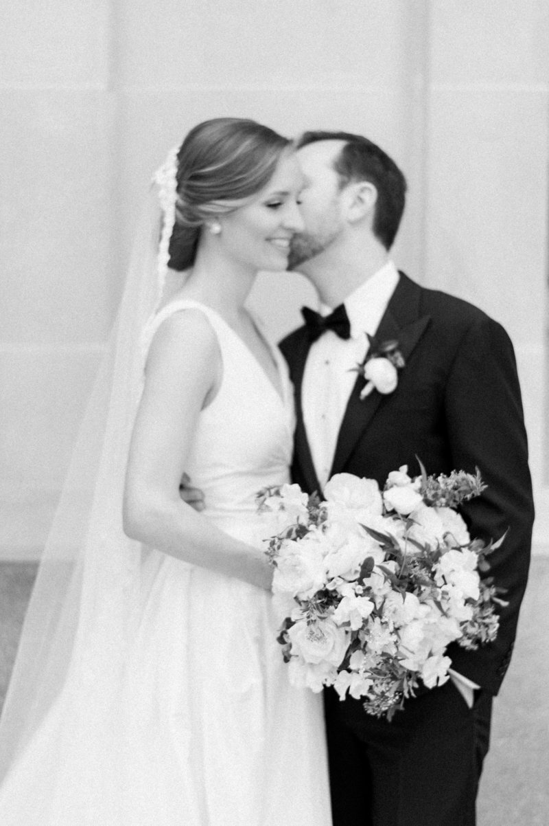 black-white-floral-bloom-dc-wedding-liz-fogarty