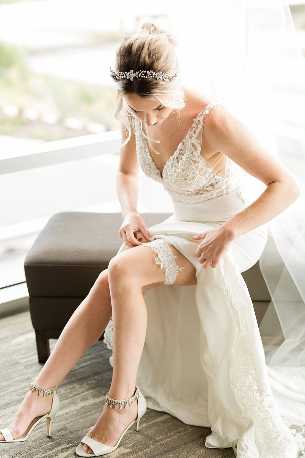12-Hilton-Garden-Inn-Wausua-Wedding-Prep-James-Stokes-Photography