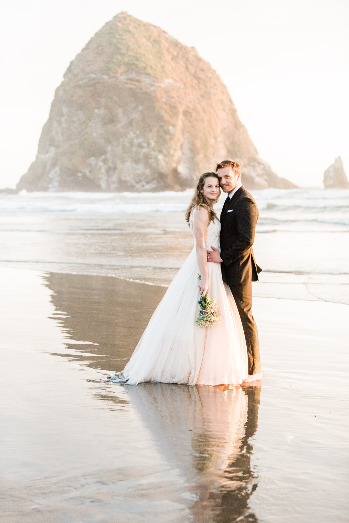 Cannon-Beach-Elopement-Photographer-65