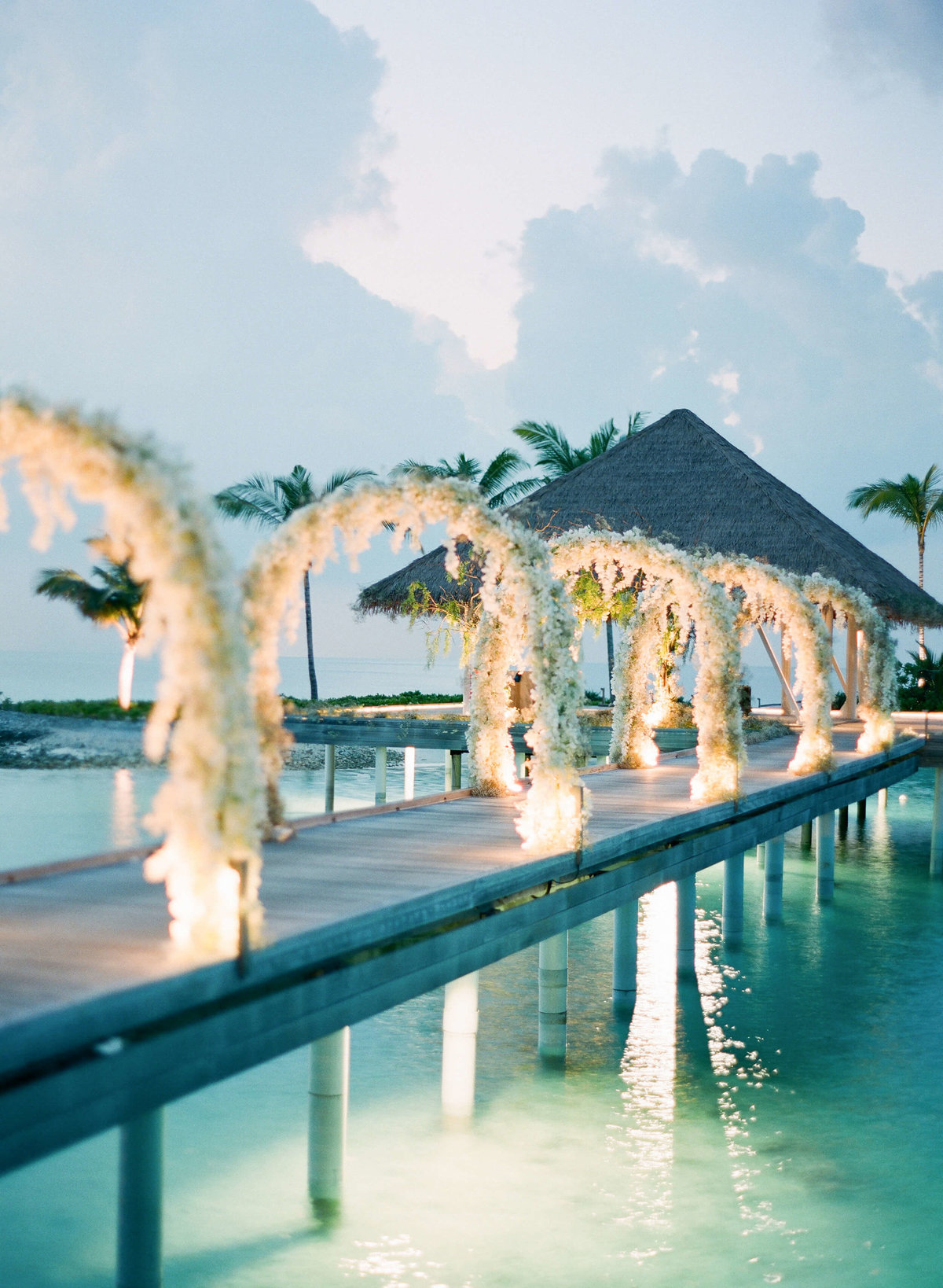 67-KTMerry-destinationwedding-evening-lighting-Maldives