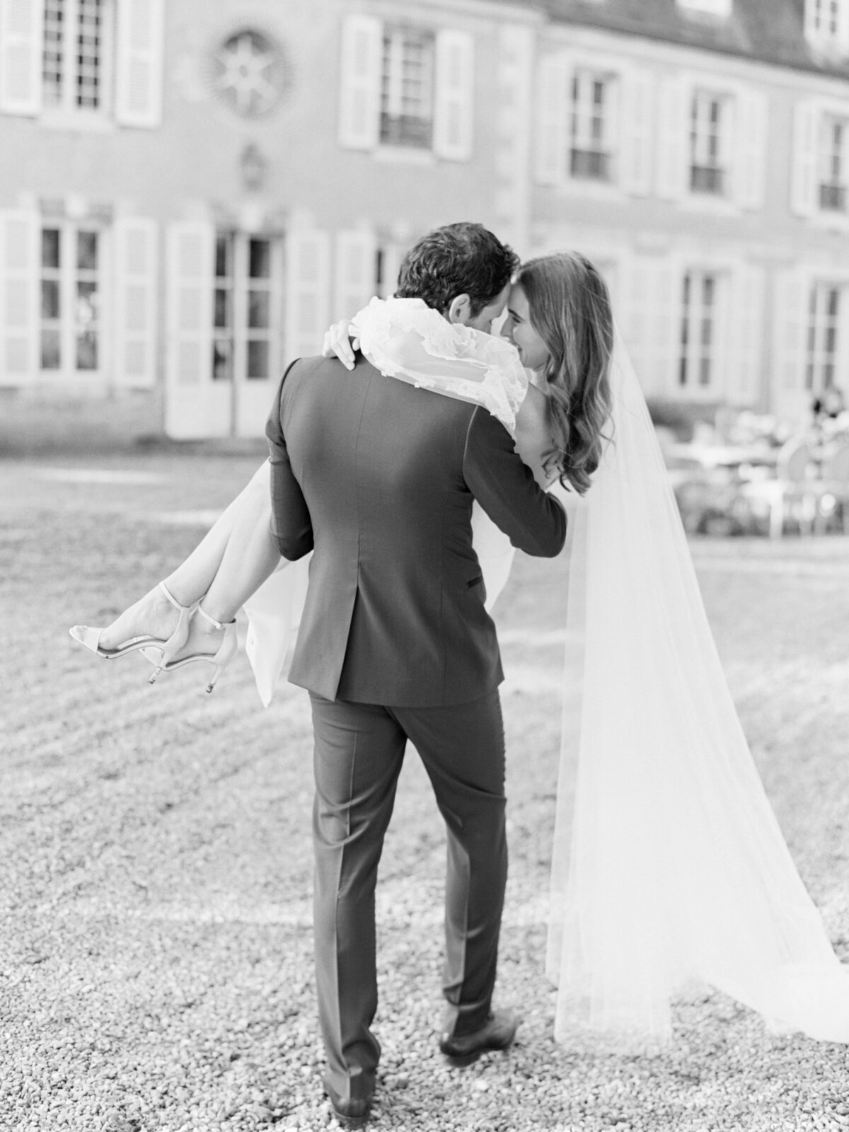 chateau-bouthonvilliers-wedding-paris-wedding-photographer-mackenzie-reiter-photography-43