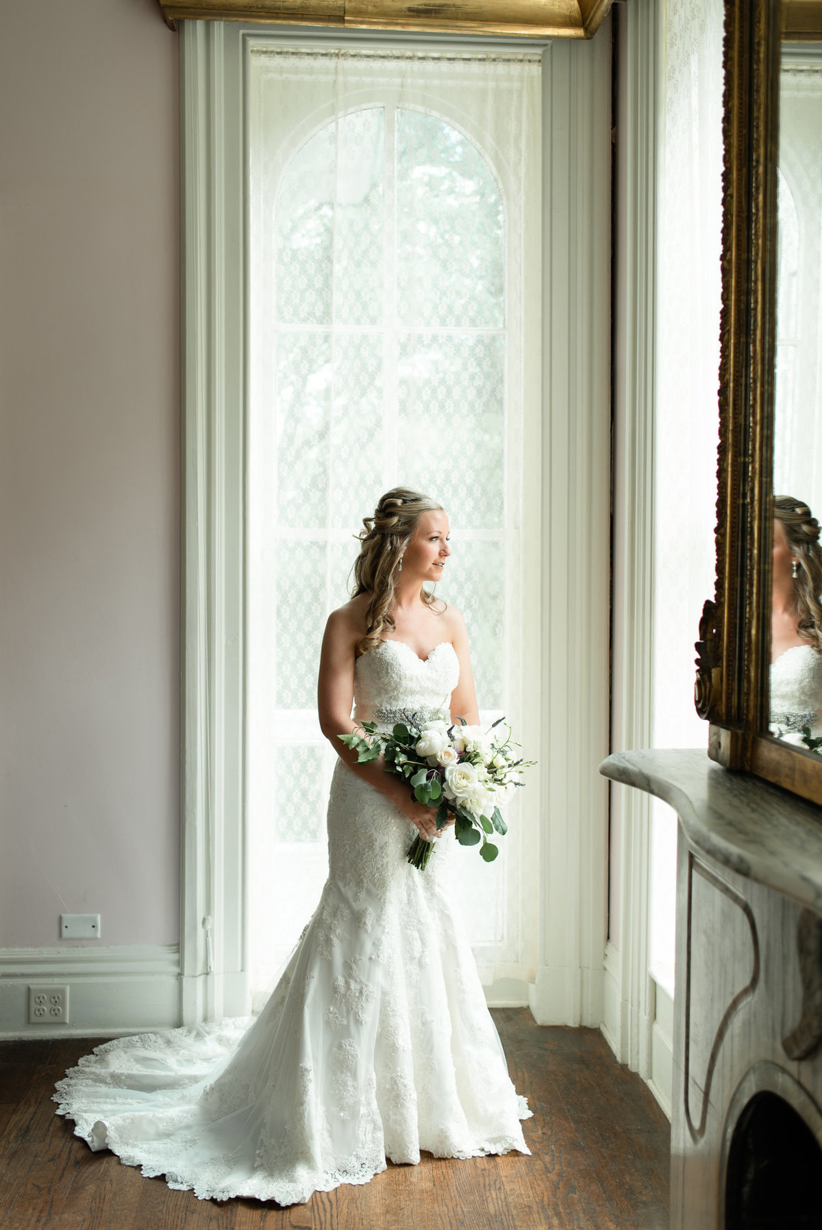 annesdale mansion bridal portrait