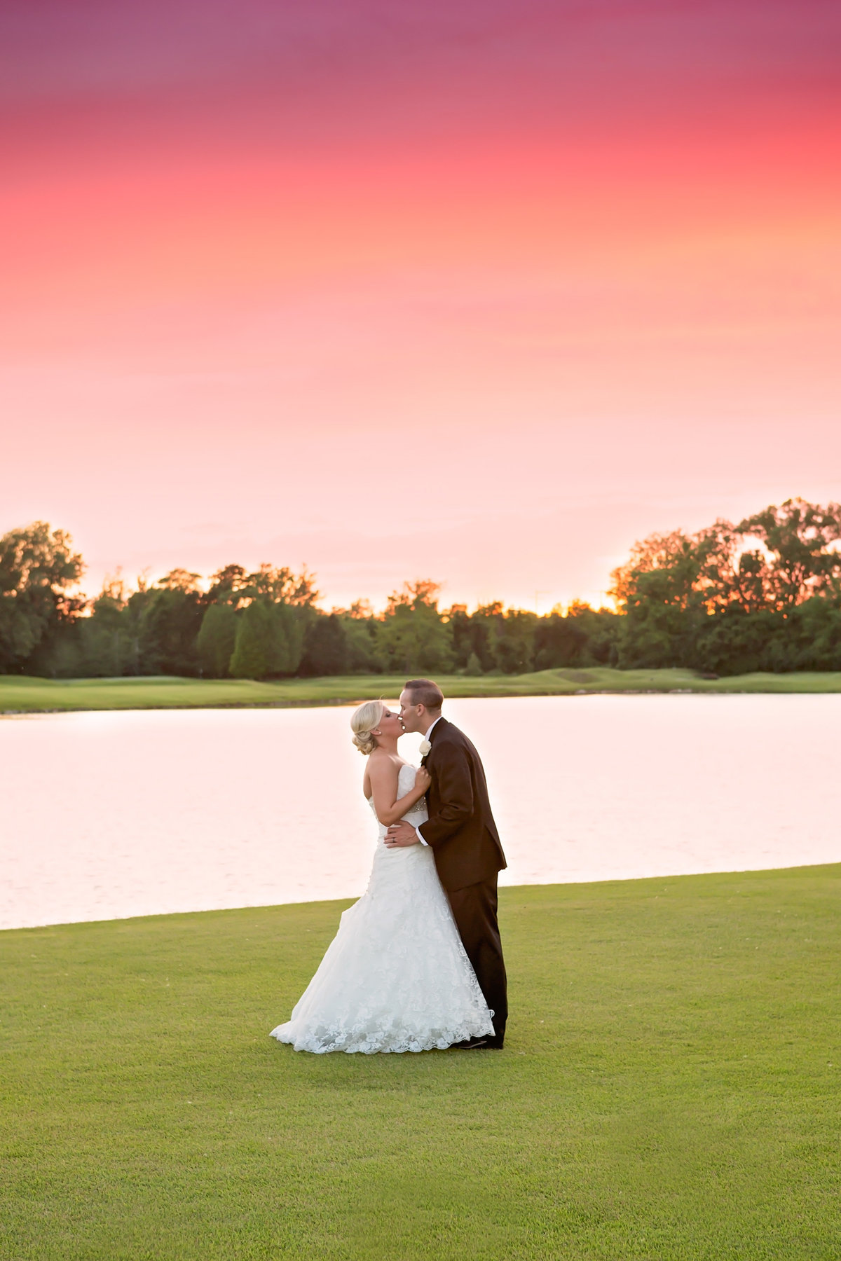 Weddings - Holly Dawn Photography - Wedding Photography - Family Photography - St. Charles - St. Louis - Missouri -115