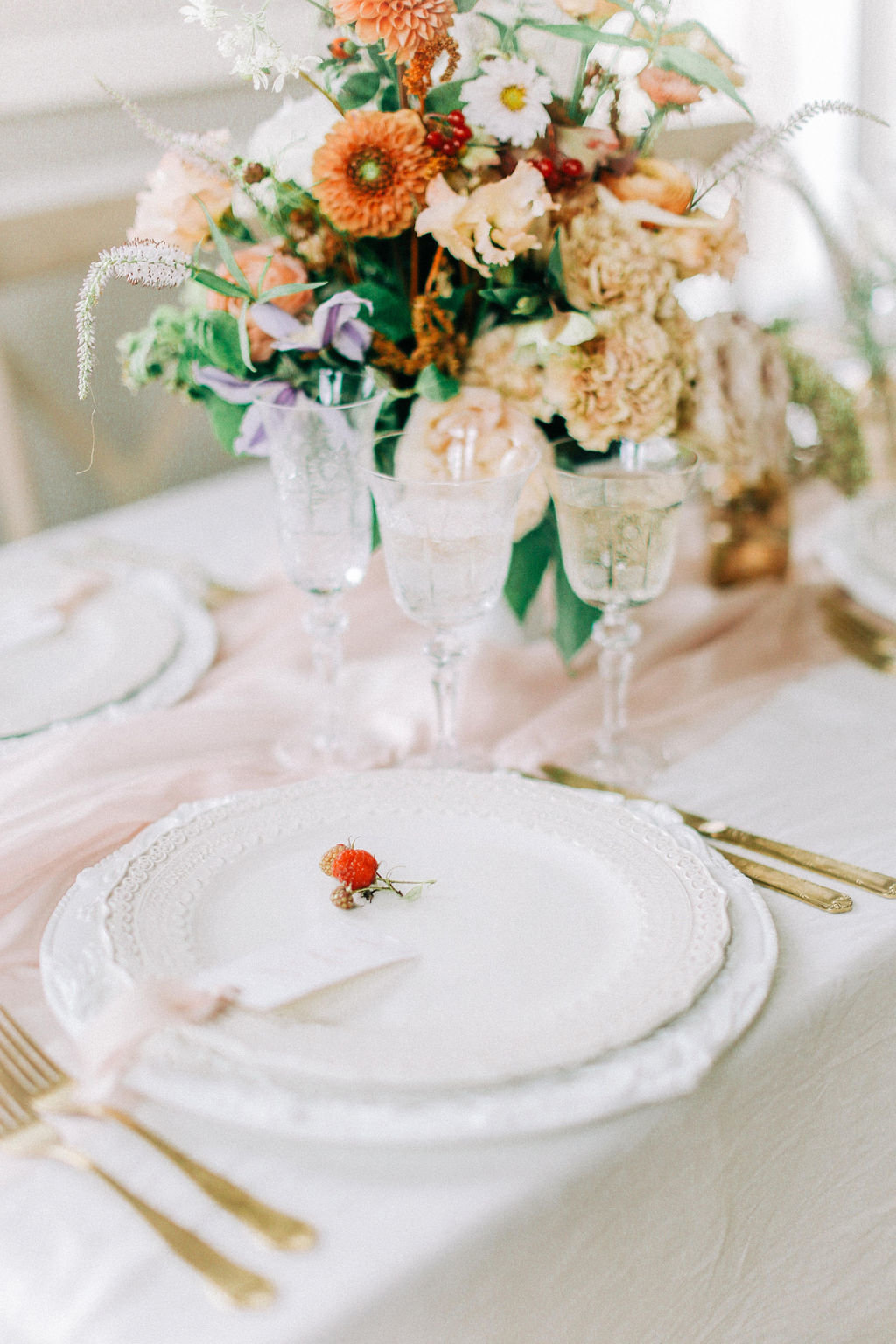 Elegant Autumn Wedding Flowers and Table Decor
