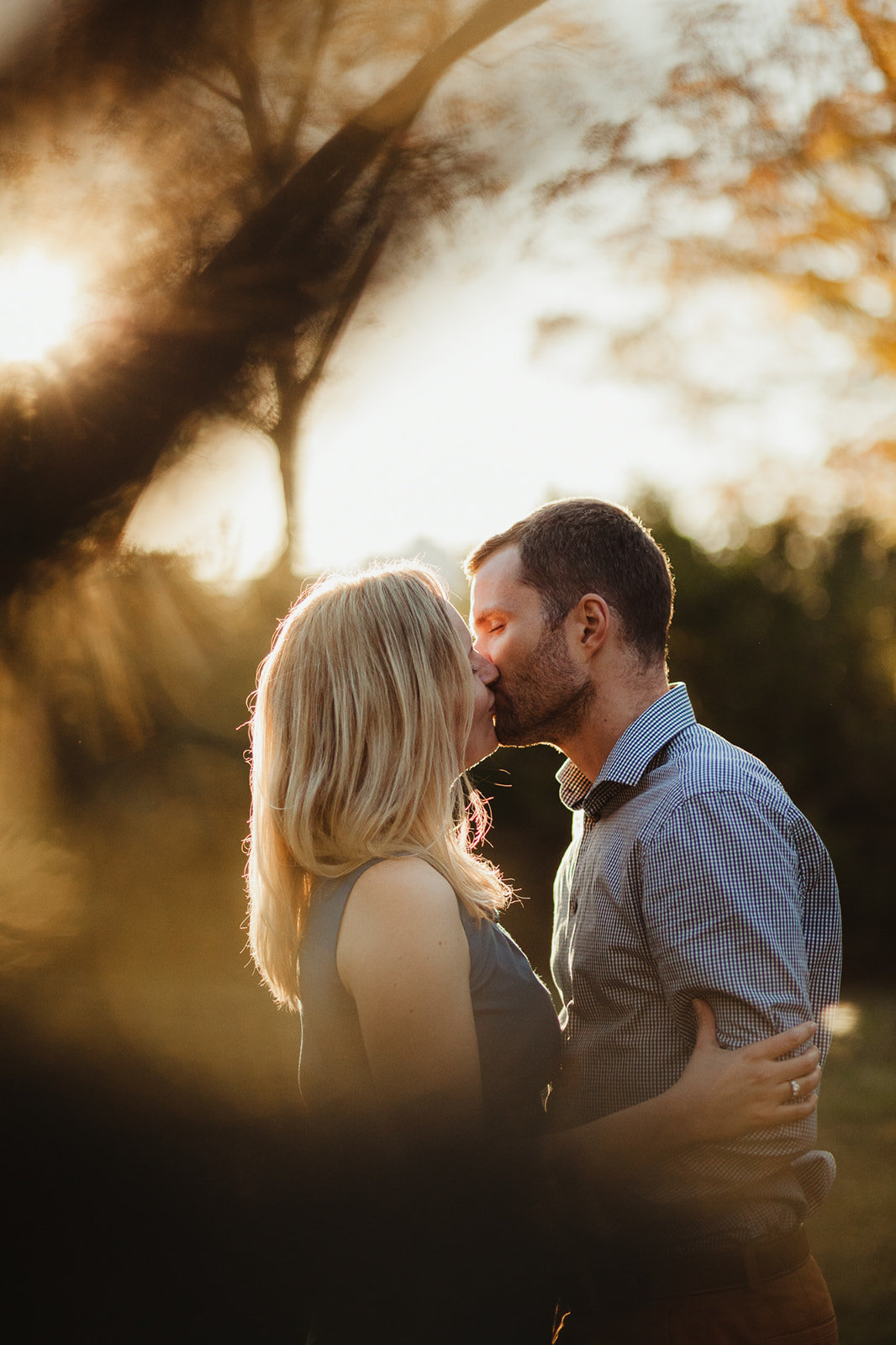 2_Outdoor_Couple_Engagement_Fall_Sunset_Maryland_Oregon_Ridge