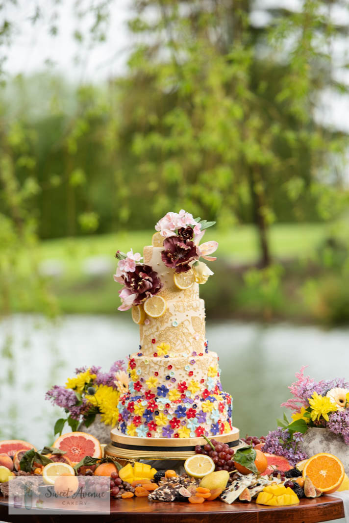 floral boho wedding cake with gold lace at Willow Springs Winery, wedding cakes GTA
