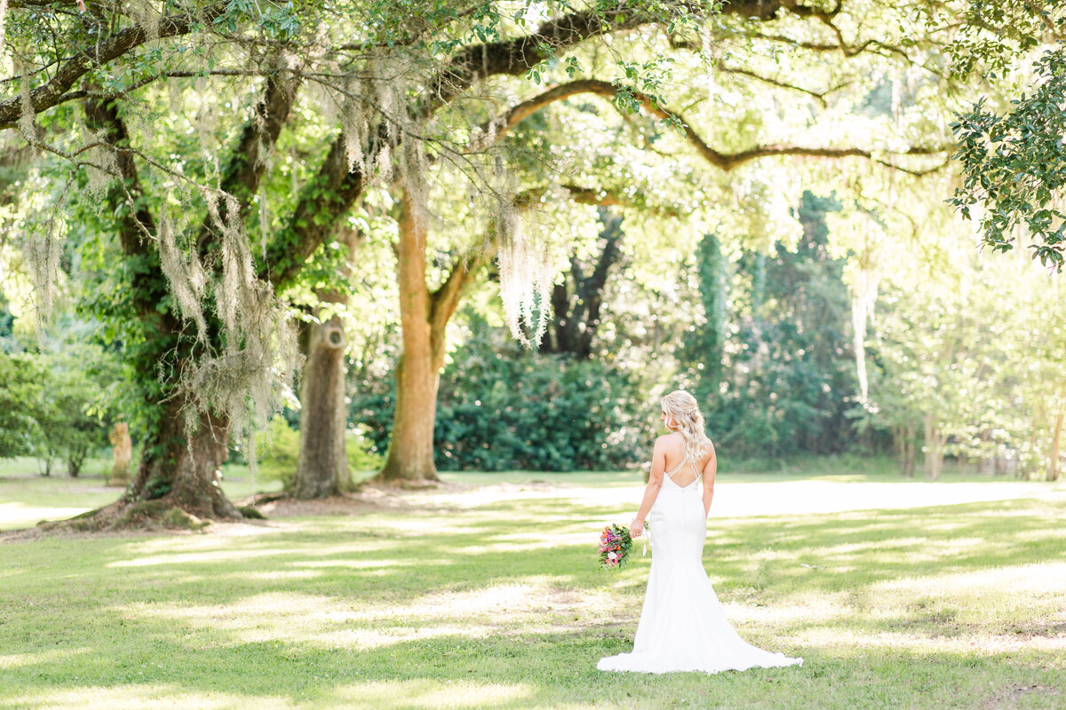 Renee Lorio Photography South Louisiana Wedding Engagement Light Airy Portrait Photographer Photos Southern Clean Colorful28 (2)