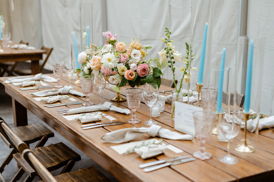 Catskills-Wedding-Planner-Foxfire-Mountain-House-Wedding-Canvas-Weddings-centerpieces