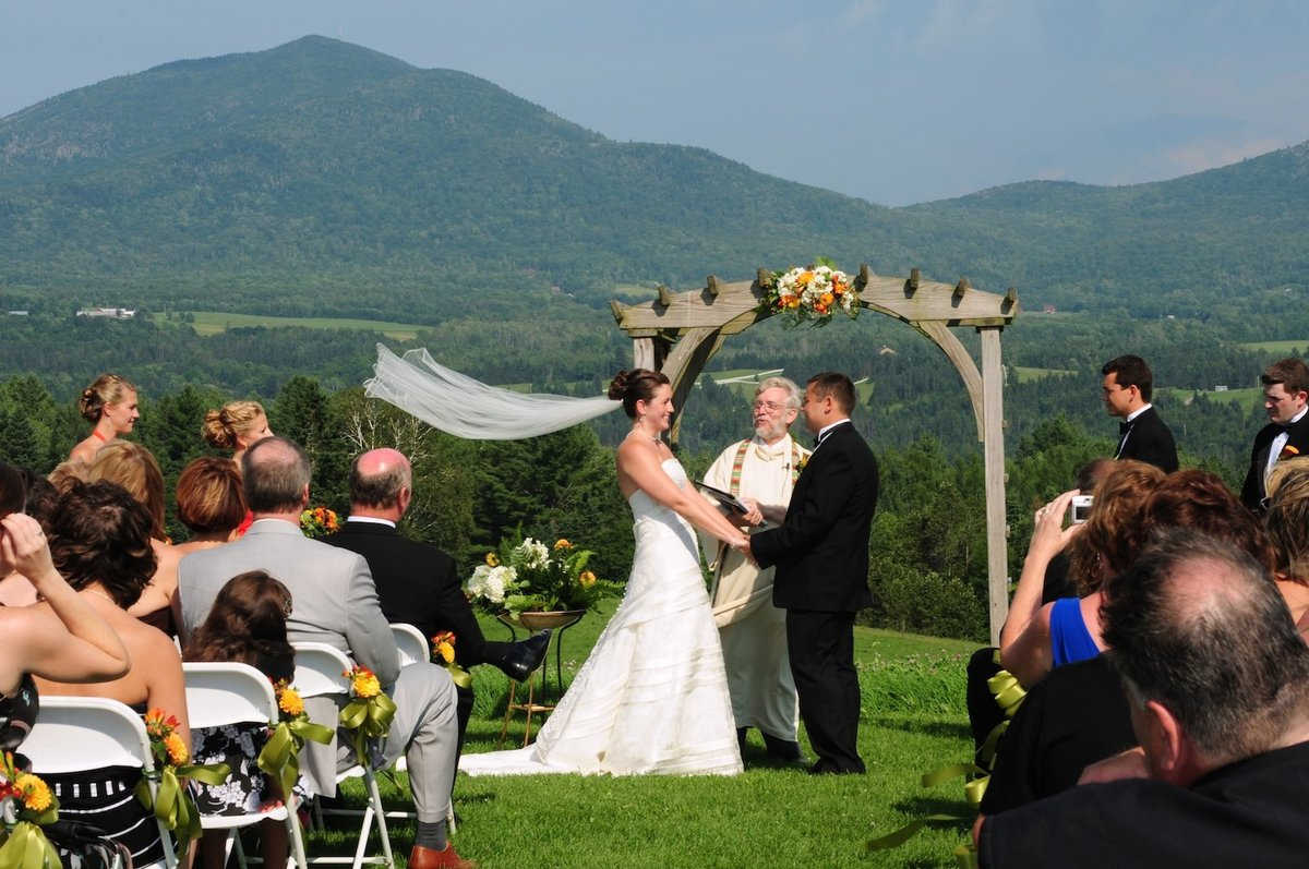 candid wedding photographer Vermont