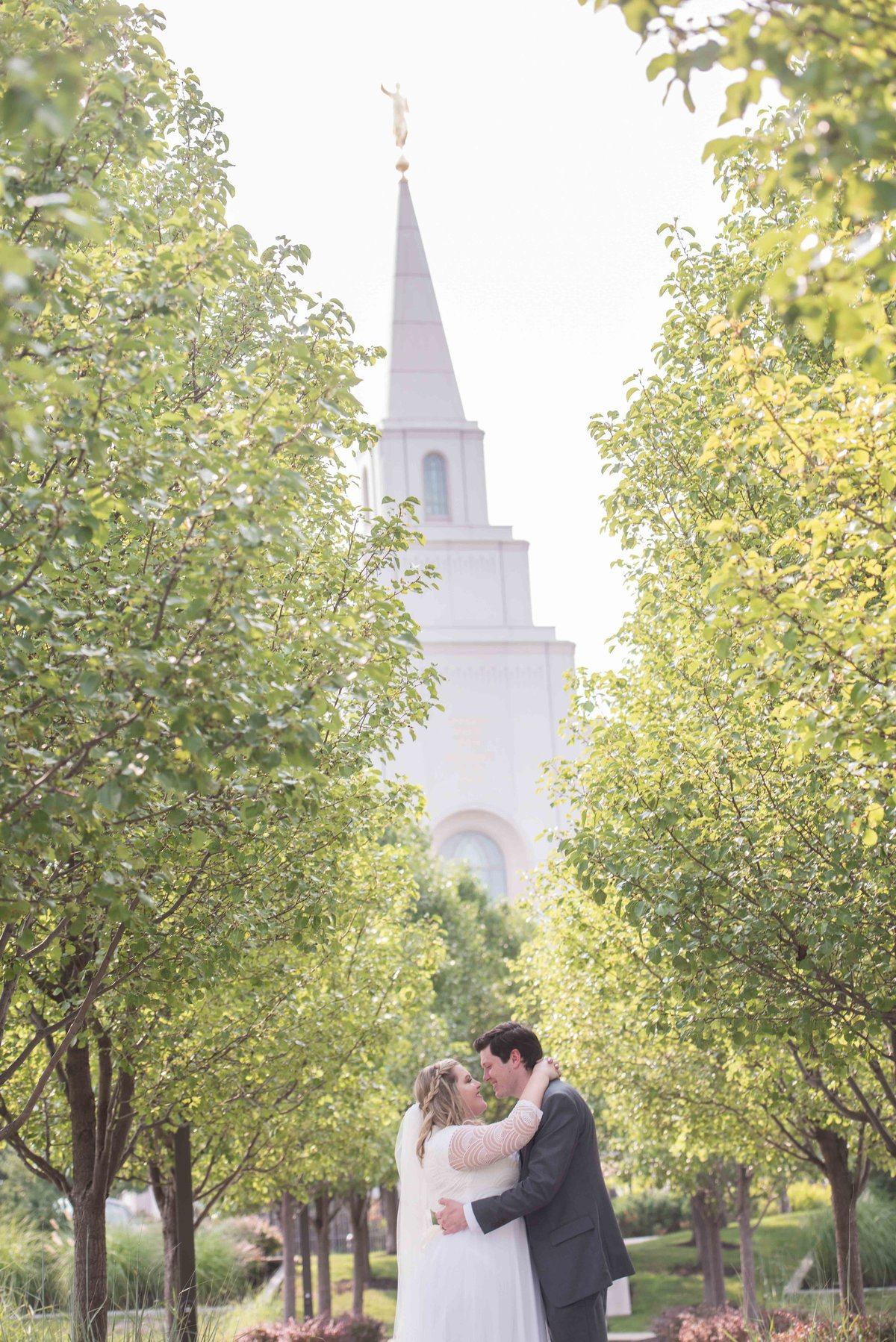 KC-temple-LDS-wedding-0002