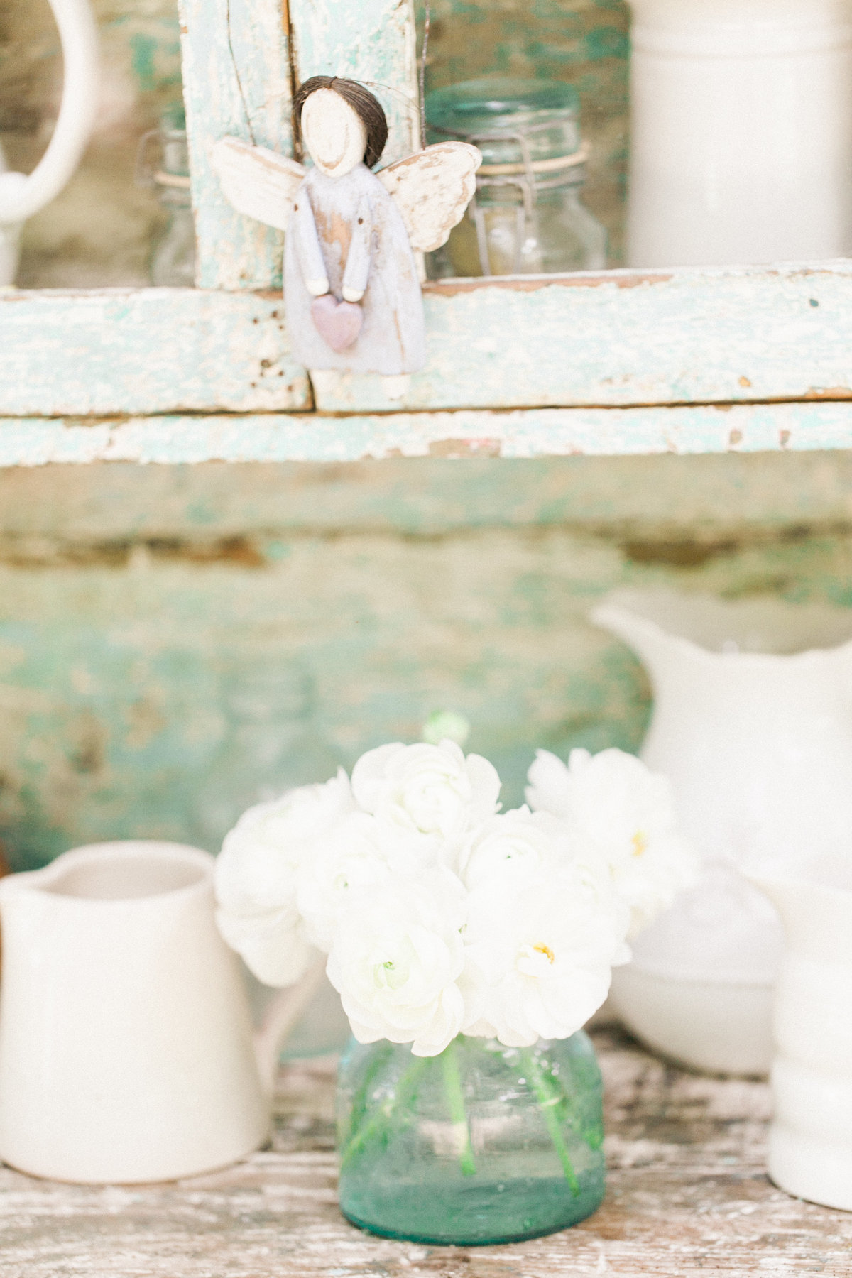 White Roses Rustic Decor