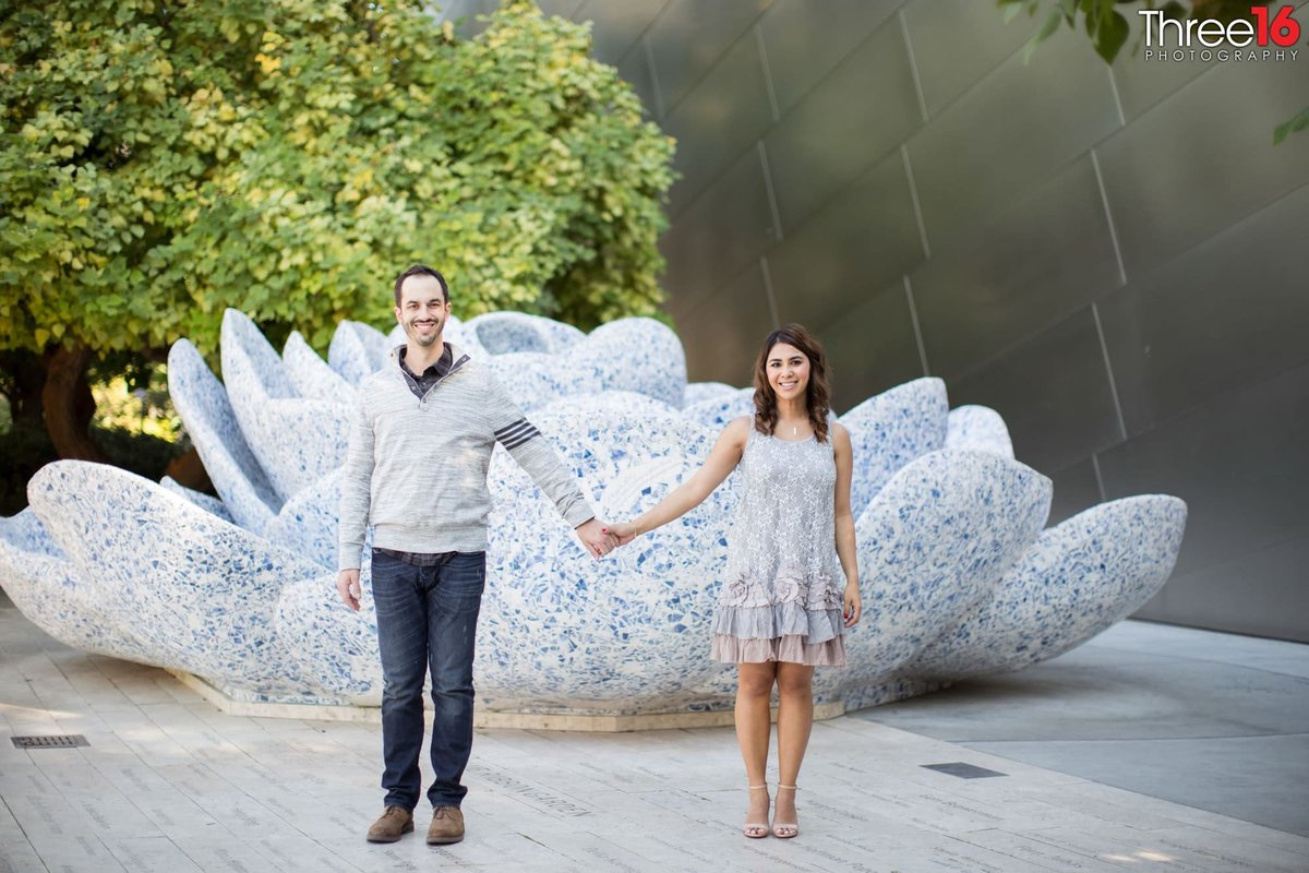 Walt Disney Concert Hall Engagement Photos Los Angeles County Wedding Professional Photography Urban Unique