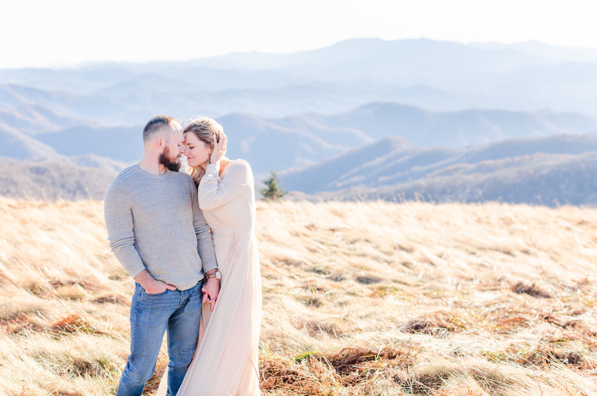 Roan Mountain Couples Session Elizabeth Hill Photography Tennessee Wedding Photographer Knoxville Wedding Photographer-6