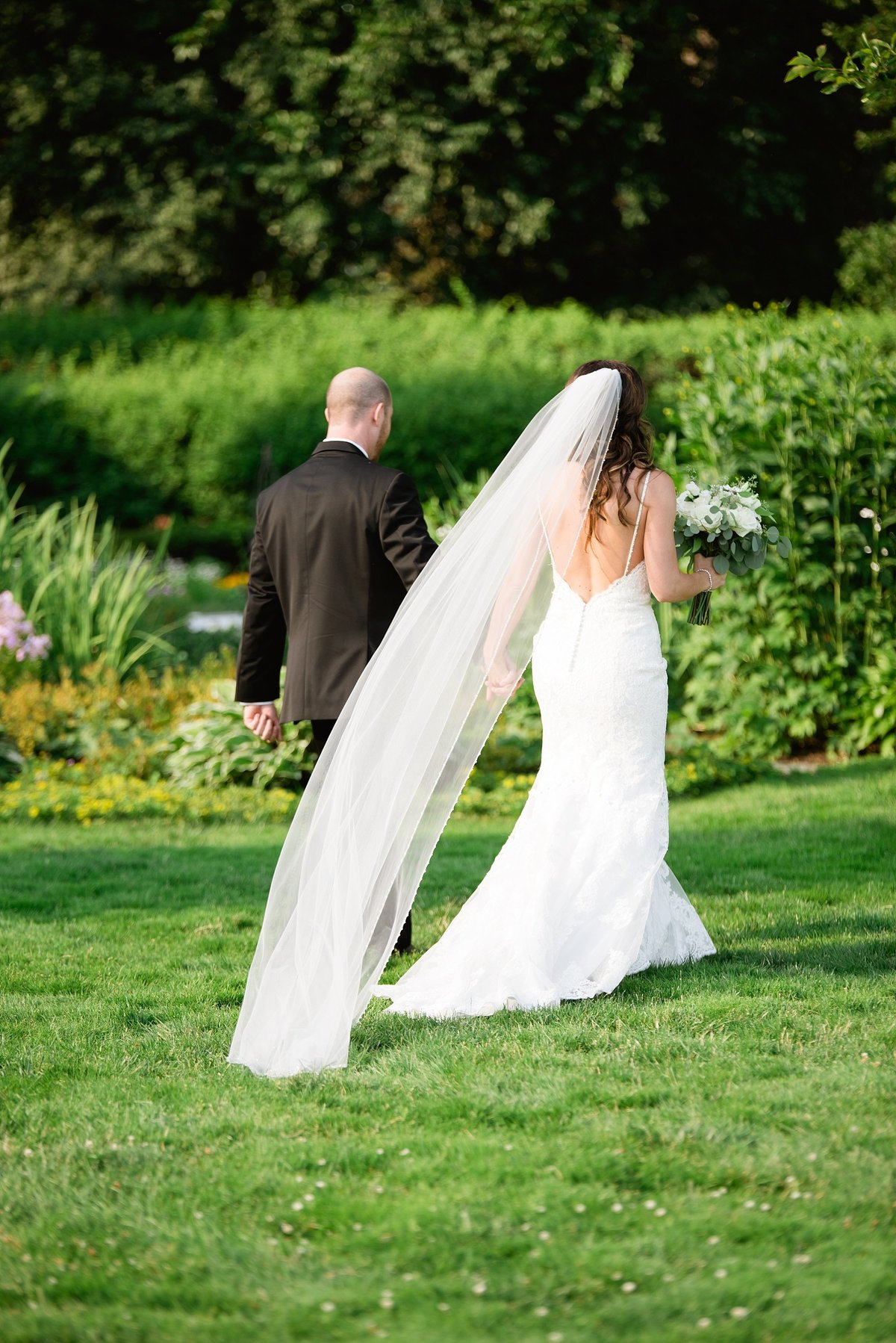 Shuster-Wedding-Grosse-Pointe-War-Memorial-Breanne-Rochelle-Photography96