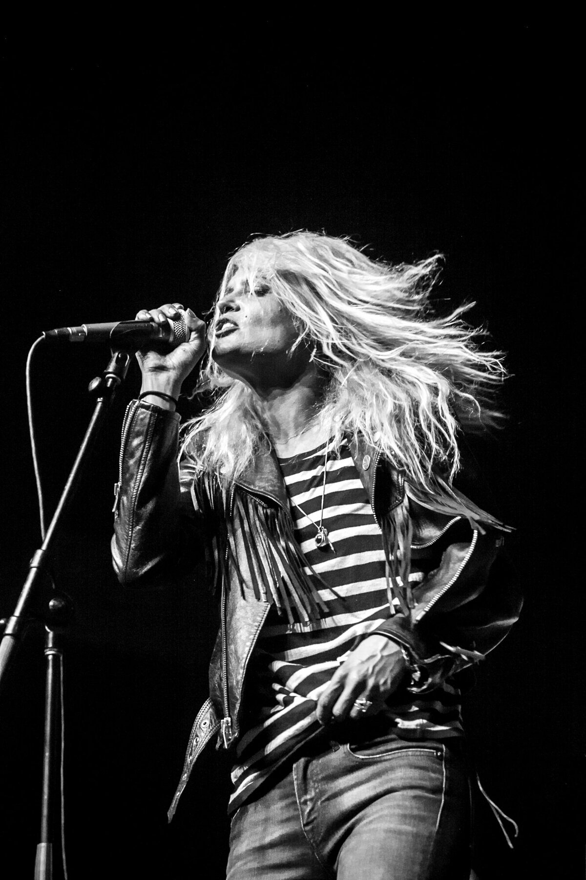 070-Allison-Mosshart-Fleetwood-Mac-Fest