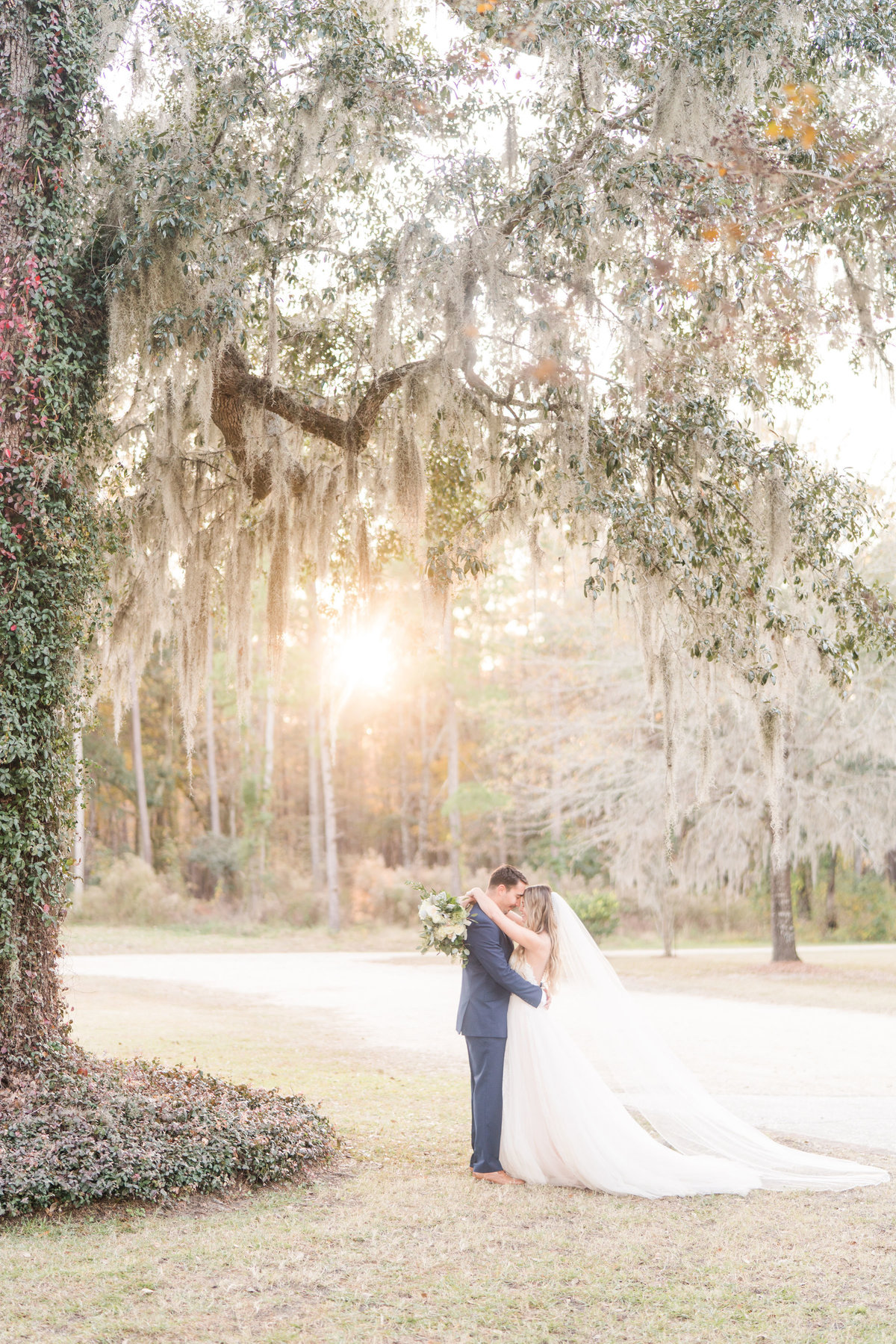 Kate Dye Photography Wedding Engagement Lifestyle Charleston South Carolina Photographer Bright Airy Colorful8