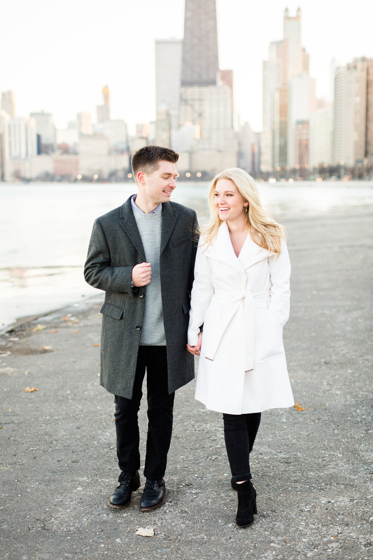 winter-downtown-chicago-engagement-session-89