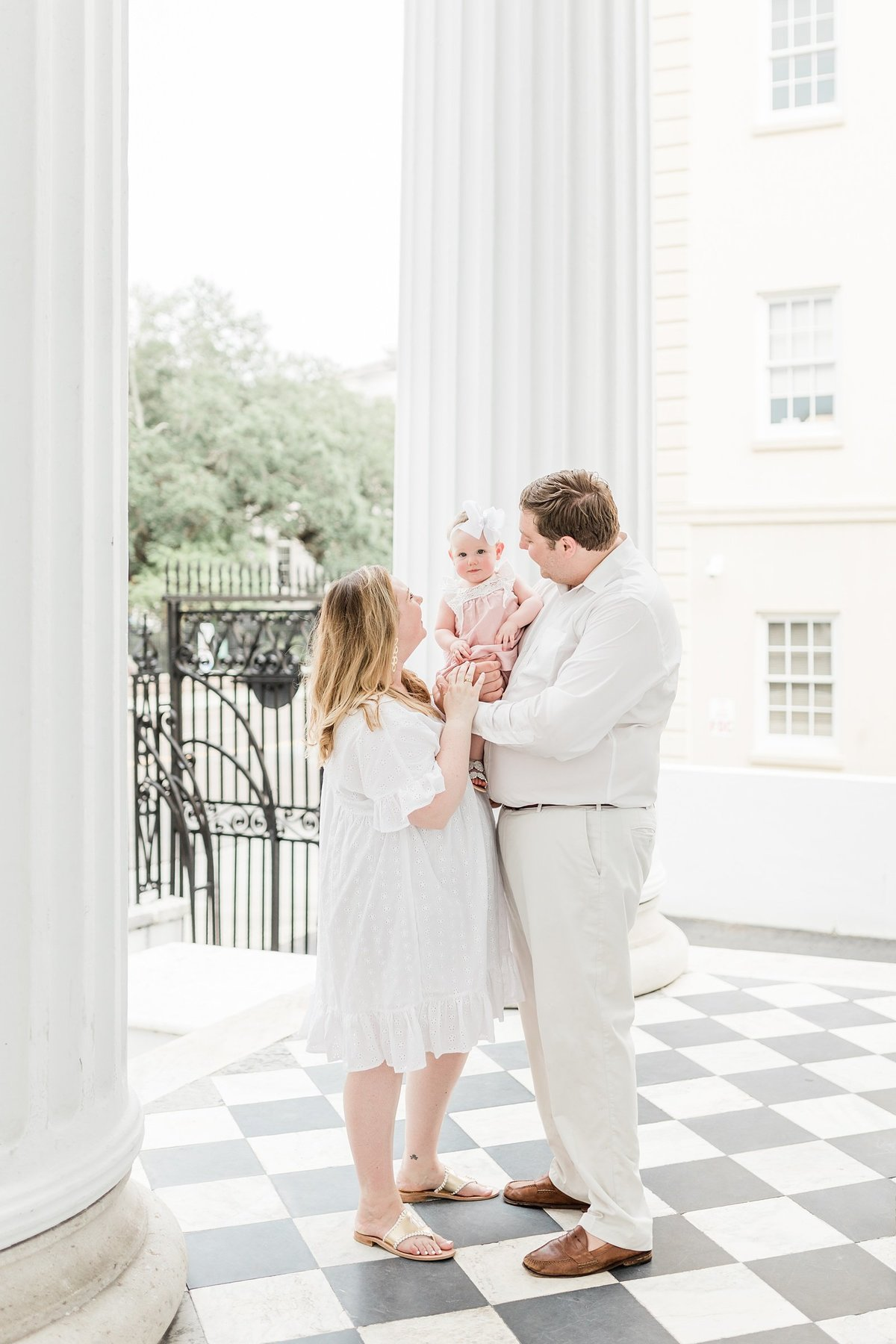 Downtown-Charleston-Family-Photography-Session-_0002