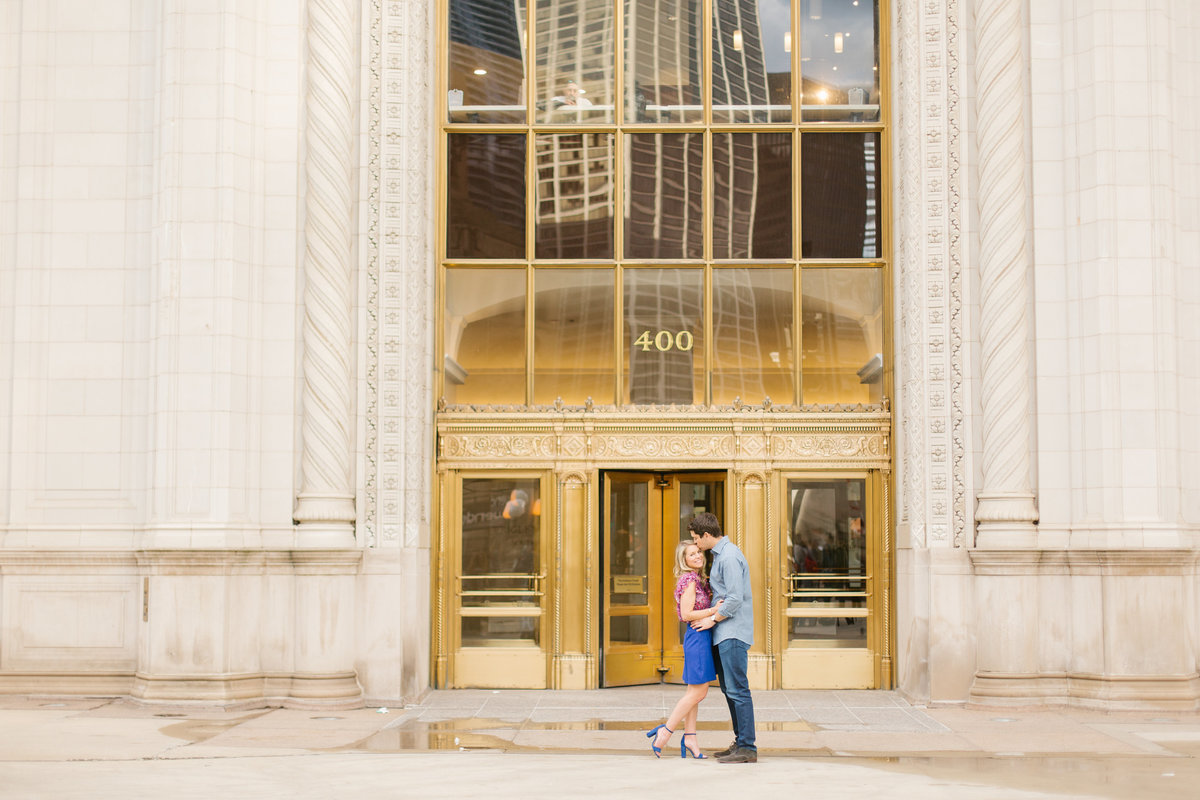 chicago-engagement-photography-wrigley-building-11